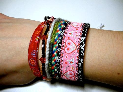 Armbänder selber nähen mit Webband, Freundschaftsbänder, farbenmix