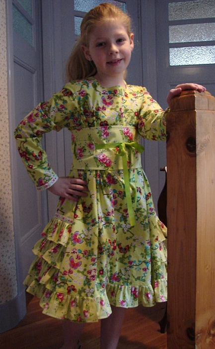 Schnittmuster Mädchen Festkleid Kommunion, farbenmix