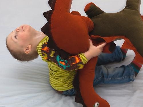 Dino Kuscheltier nähen, Schnittmuster farbenmix