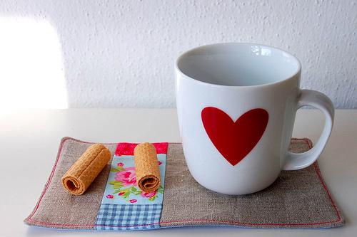 Becher, Tasse, Untersetzer aus Stoffresten, farbenmix, Muttertag