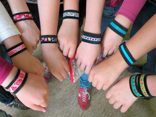 Armband nähen Schulklasse Projekt Webband farbenmix