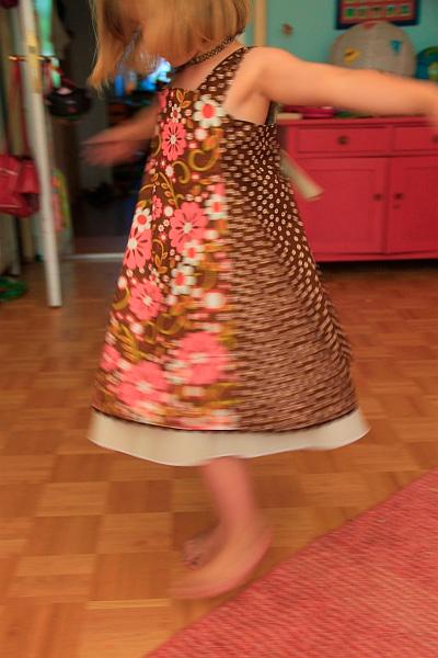 Feliz Schnittmuster Kleid Mädchen Einschulung farbenmix