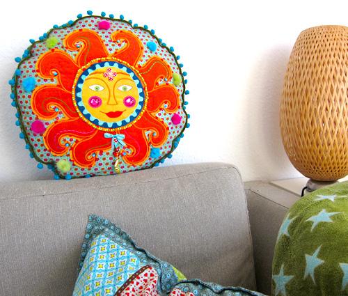 Kissen, Sonne, Stickmaschine, sticken, farbenmix.de
