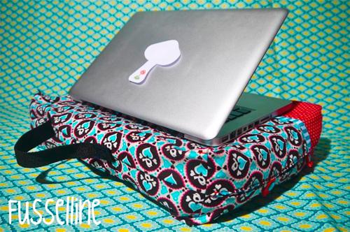 Schoßhund Kreativ Ebook Anleitung Schnittmuster Kissen Laptop farbenmix
