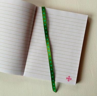 Basteln Buch gestalten Webband Leseband Lesezeichen farbenmix