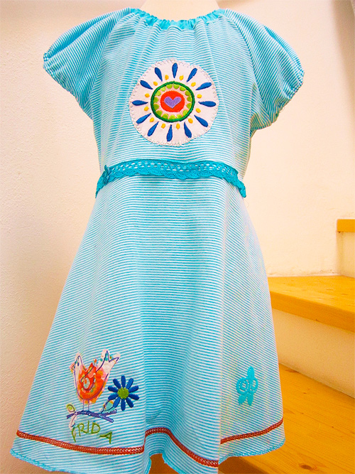 Tunika nach dem Schnittmuster TINI für Mädchen von farbenmix nähen
