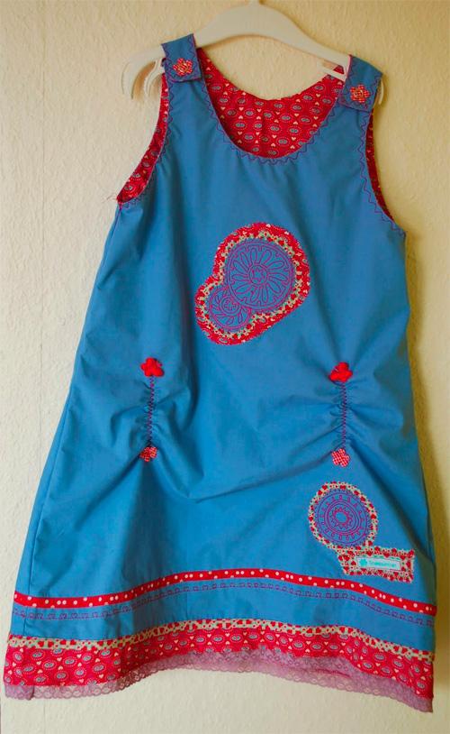 Kleid OONA für Mädchen nähen. Sommerkleid nach Schnittmuster und Anleitung von farbenmix nähen.