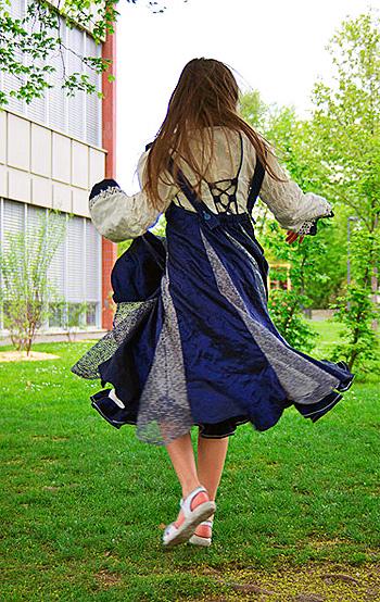 Festliches Kleid nach dem Schnittmuster TOULUMNE von farbenmix nähen