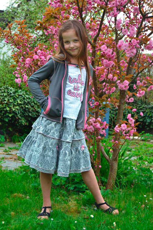 Kombination Rock Shirt Sweatjacke Mädchen selber nähen farbenmix Schnittmuster