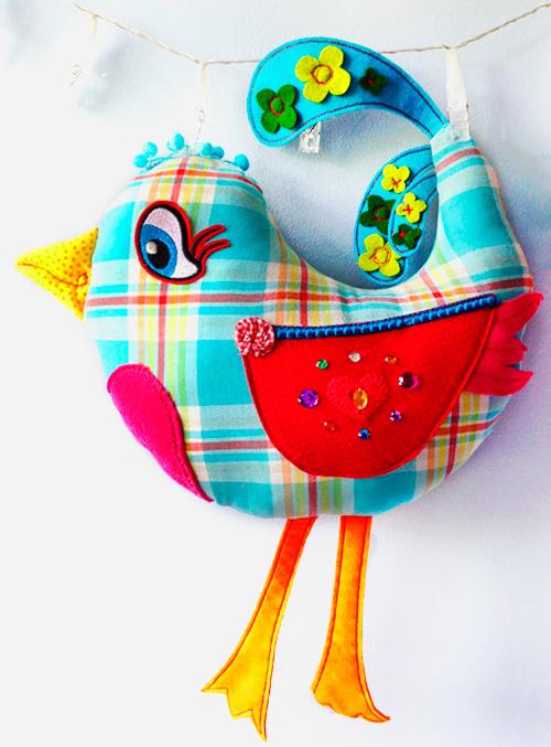 Kuschelbegleiter in Vogelform selber nähen nach einer Anleitung und Schnittmuster von farbenmix