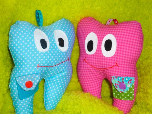 Kleines Täschchen auf einem Zahnkissen nach einer gratis Anleitung selber nähen farbenmix