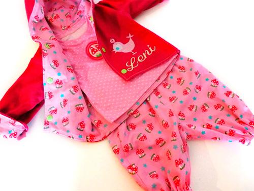 Jacke Hose Shirt für Babys selber nähen nach der Zwergenverpackung von farbenmix