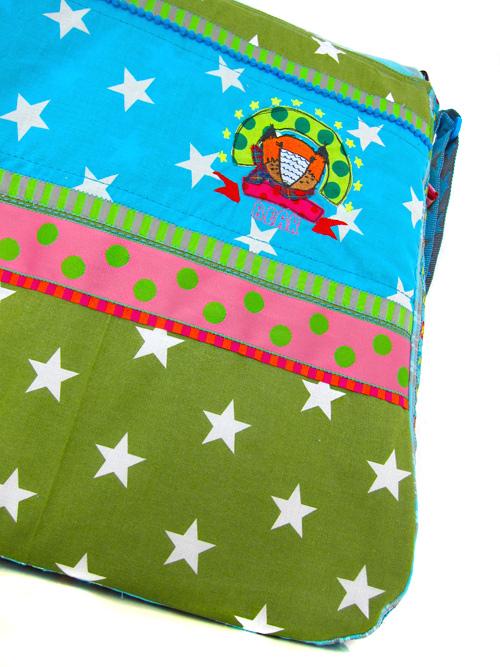 Selbstgenähte Tasche mit vielen Verzierungen, Schnittmuster BIBE von farbenmix