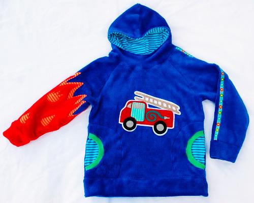 Schnittmuster Kuschelpulli Pullover Kapuzensweater DANAI Anleitung farbenmix