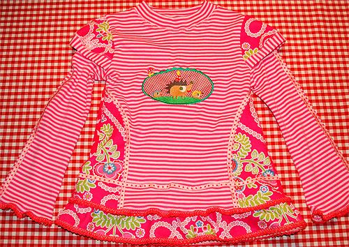 Shirt nach dem Schnittmuster ANTONIE von farbenmix für Mädchen selber nähen