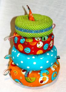 Einen Stapelturm für Babys nach dem Kreativ-Ebook Turmbau mal anders von farbenmix selber nähen