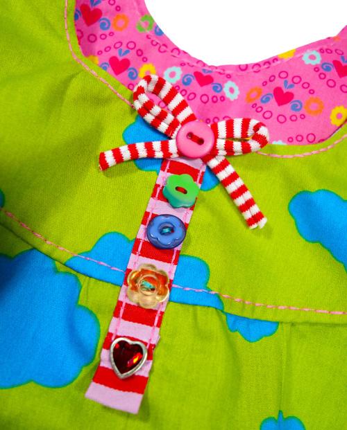 unechte Knopfleiste aufnähen zur Zierde, Nähen für Mädchen