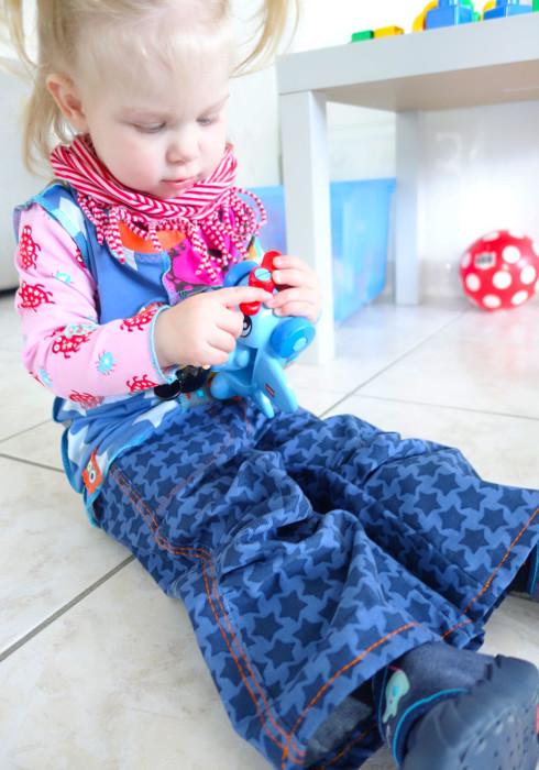 Schnittmuster-Hose-SANDRO-Cordstaaars-jeansblau-farbenmix.de