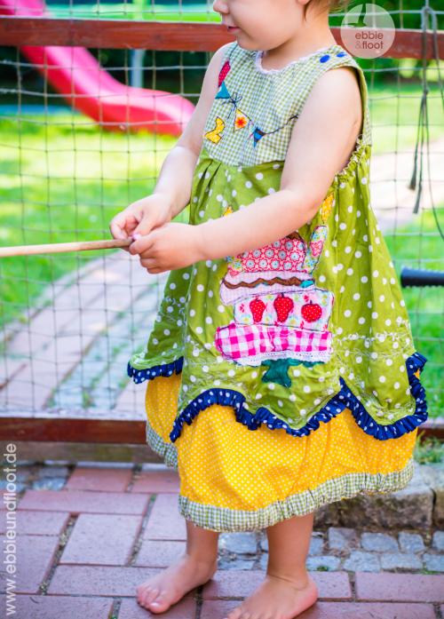 ebbie-und -loot_farbenmix_Cara_Kleid_birthdaydress_ribbons_ruffels_Schnittmuster12