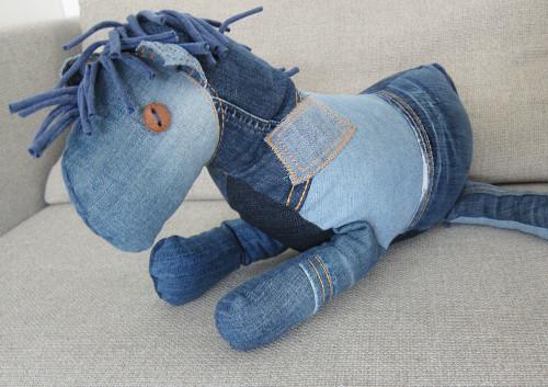 Ebook-Knuffelpferd-jeans-recyclestyle-farbenmix-de