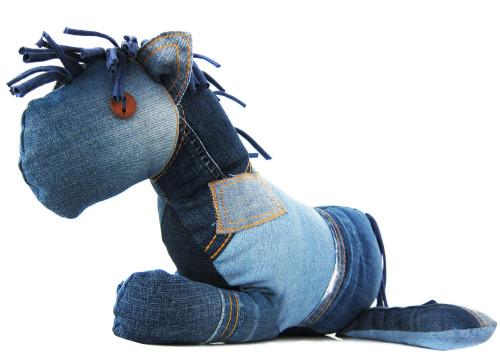 Ebook-Knuffelpferdchen-jeans-recycling-farbenmix-de