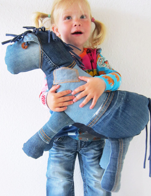 Ebook-Schnittmuster-Knuffelpferd-jeans-farbenmix-de