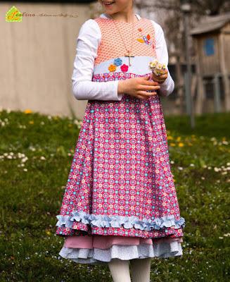 farbenmix_schnittmuster_unique_Kleid_Kommunion_Einschulung_Festtagskleid