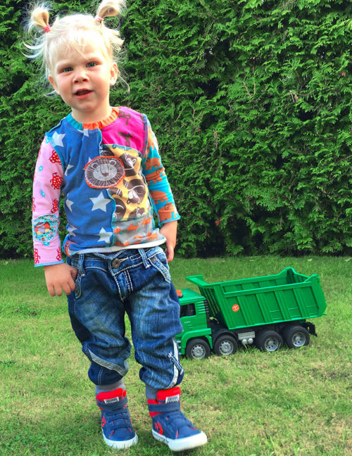 kinderjeans-aus-alter-jeans-naehen-farbenmix-de