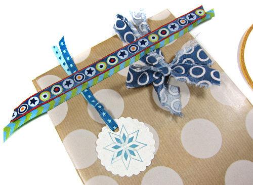 Webbänder als Geschenkverpackung - Geburtstag Farbenmix - Geschenkidee