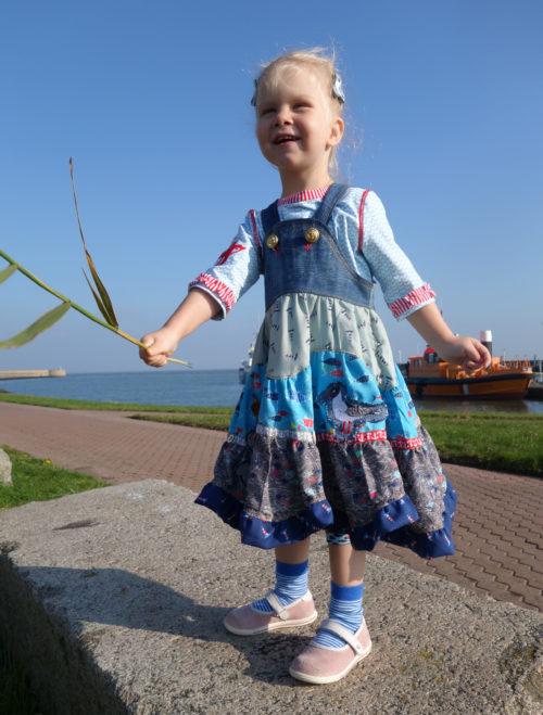 Trägerröcke für Mädchen - SASHA - Schnittmuster von farbenmix