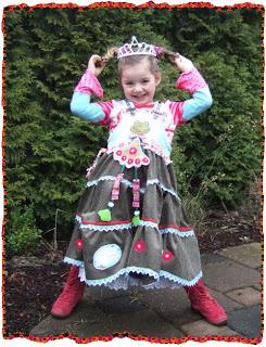Glitzerfee hat ein tolles Prinzessinnenkleid aus dem farbenmix Schnittmuster SASHA genäht. - auch als Ebook erhältlich