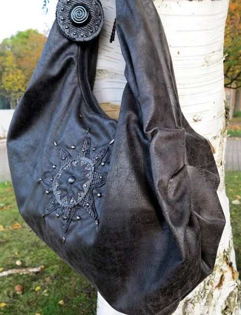 Eine Faltentasche AS ganz in schwarz mit liebevollen Details das Ebook aus der Taschenspieler Serie neu bei farbenmix