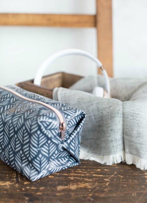 Taschen nähen mit Farbenmix - eine praktische popUp Tasche für Stifte und Kosmetik
