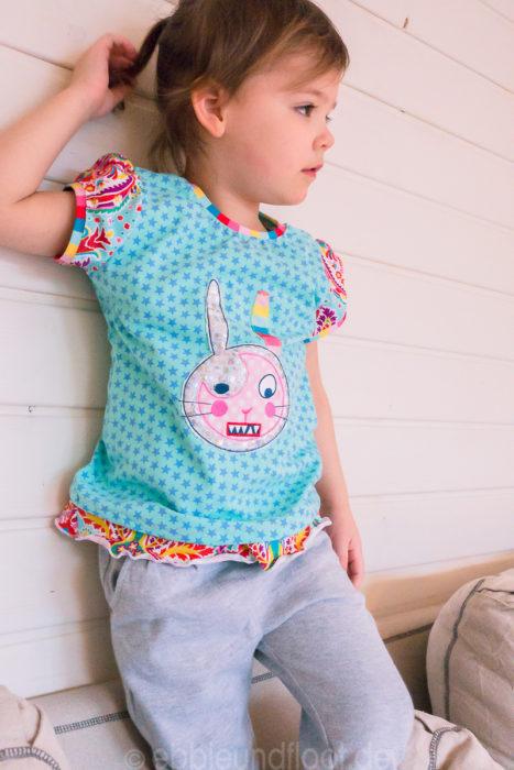 Schnittmuster Kleinfanö- jetzt auch als Ebook und Papierschnittmuster bei farbenmix erhältlich. Basic Shirt für Mädchen