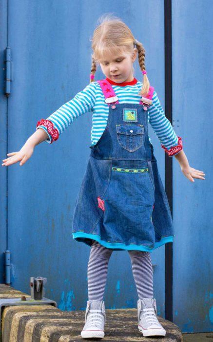 Latzrock für Kinder selber nähen - Schnittmuster, Ebook von Farbenmix