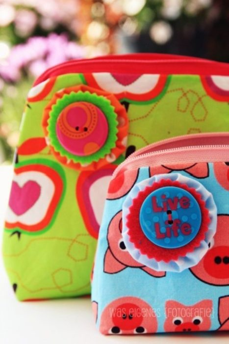 Leichte Nähprojekt aus Webware Kosmetiktäschchen was eigenes bei farbenmix erhältlich