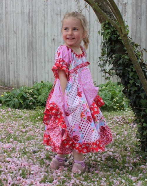 Boho-Kleid für Mädchen nähen mit Encinitas farbenmix Ebook Papierschnittmuster