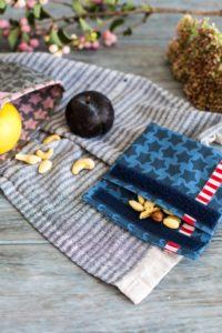 Snackpakje - aus farbenmix Staaars Stoff beschichtete Baumwolle