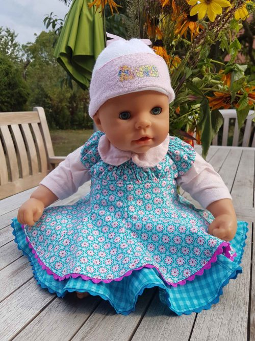 Puppenkleid nähen mit der Anleitung und Schnittmuster Mini-Elodie